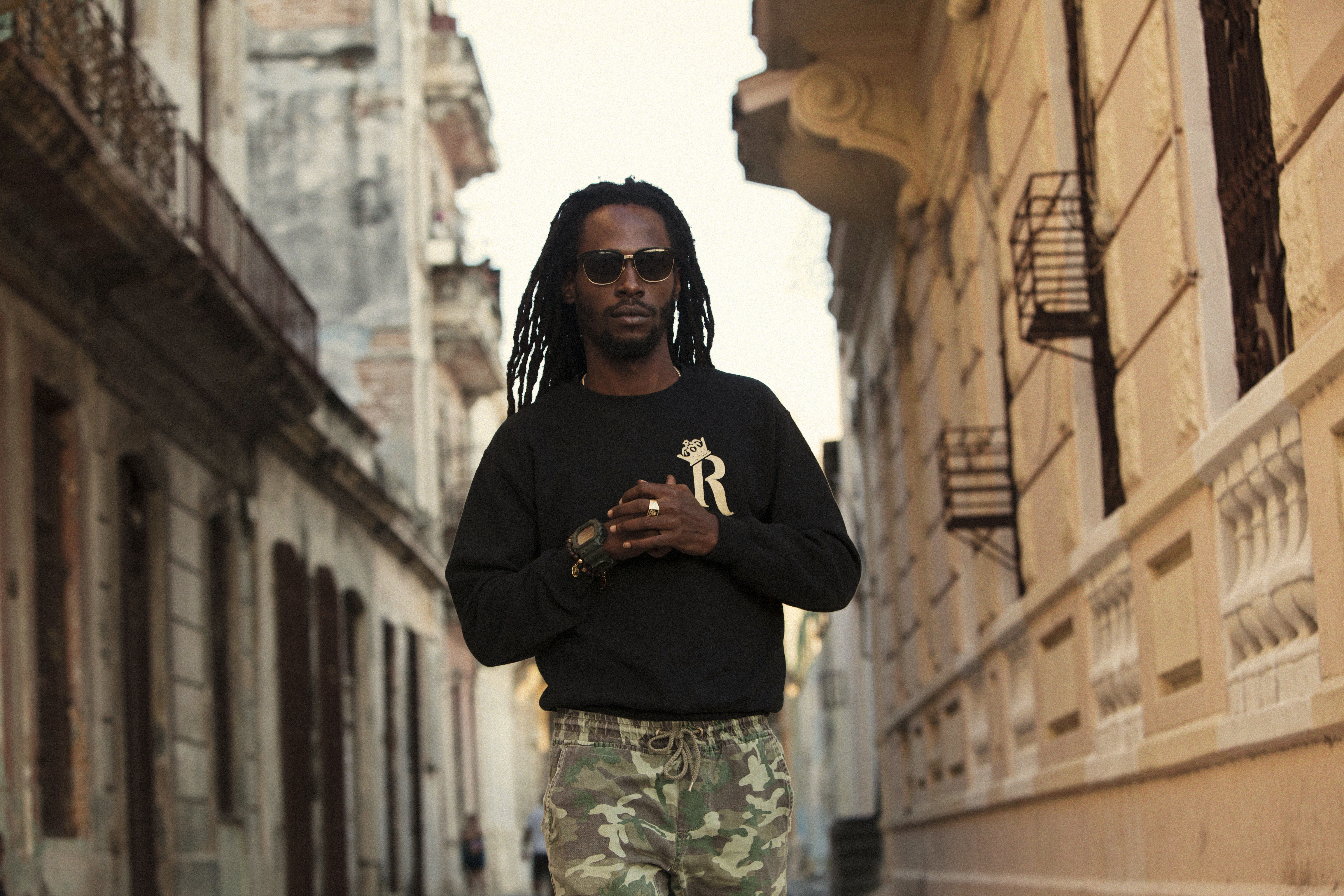 """JESSE ROYAL CARRIES ON THE REGGAE MOVEMENT WITH """"ALWAYS BE AROUND"""""""